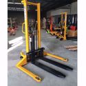 Picture of Straddle Leg Manual Stacker