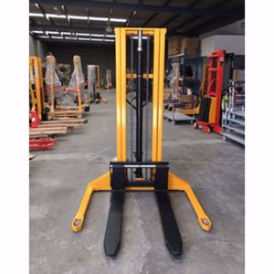 Picture of Straddle Leg Manual Stacker 1000Kg Capacity
