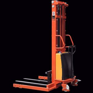 Picture of Semi Electric Straddle Stacker 1500kg 3500mm Lift